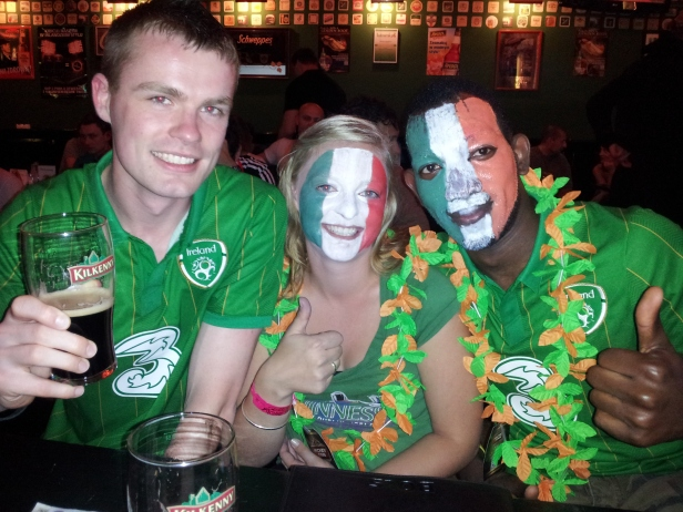 three-irish-fans