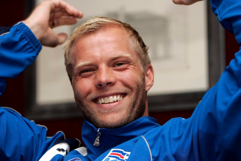 epa00968902 Iceland's national soccer team striker Eidur Gudjohnsen smiles during the press conference on Tuesday 27 March 2007 in Palma de Mallorca ahead of their Eurocup 2008 qualifyer match against Spain on Wednesday 28 March at the Ono stadium.  EPA/MONTSERRAT T DIEZ
